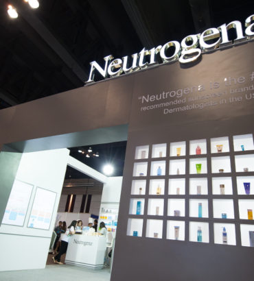 Neutrogena Booth @ งานสัมนาแพทย์ผิวหนัง